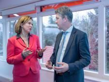 Minister Van Nieuwenhuizen hoort weinig nieuws in Ede