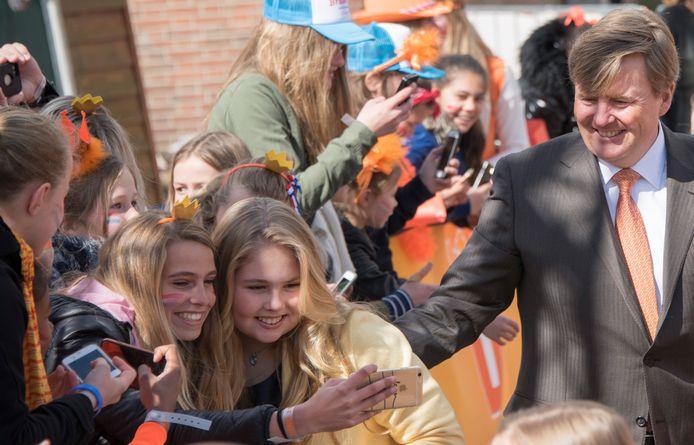 In 2017 vierde de koninklijke familie de 50ste verjaardag van koning Willem-Alexander in Tilburg. Door corona is het feestje dit jaar achter gesloten deuren.