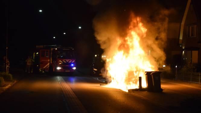 BMW gaat in vlammen op in Doetinchem, politie vermoedt opzet