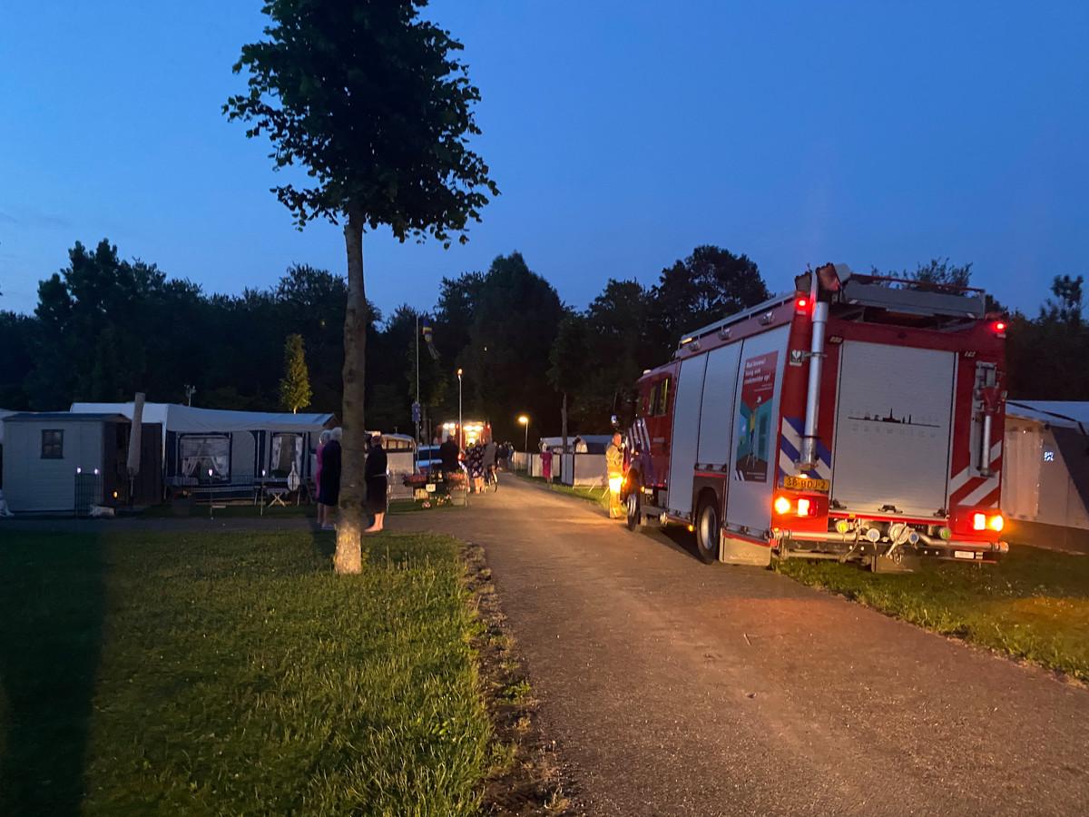 De brandweer in Zeewolde rukte uit voor een caravanbrand op Flevonatuur.