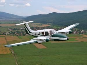 Un inconnu dérobe un avion, vole de nuit pendant 4 heures et se tue dans le crash