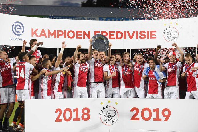 Komt er dit jaar nog een kampioen van de eredivisie als opvolger van Ajax?