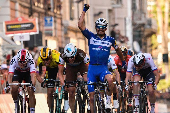 Julian Alaphilippe troeft grote namen af in Milaan-San Remo.