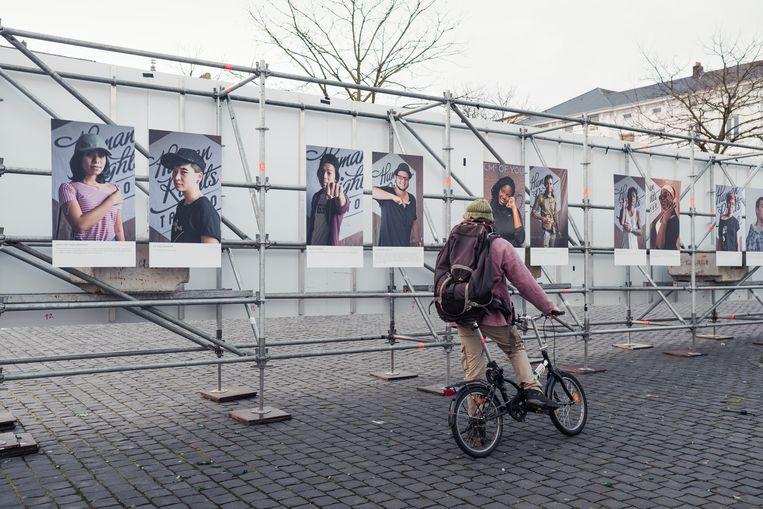 Festival van gelijkheid, Human Rights Tattoo, Gent, Vooruit, Sint-Pietersplein, Damon De Backer, reportage, tattoo, mensenrechten, Sander van Bussel Beeld Damon De Backer