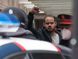 Pablo Hasél, de relrapper door wie Spanje in brand staat: de Che Guevara van zijn tijd. Of dat denkt hij toch zelf
