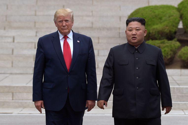 De Amerikaanse president Trump en de Noord-Koreaanse leider Kim Jong-un tijdens een top eerder dit jaar. Beeld AP