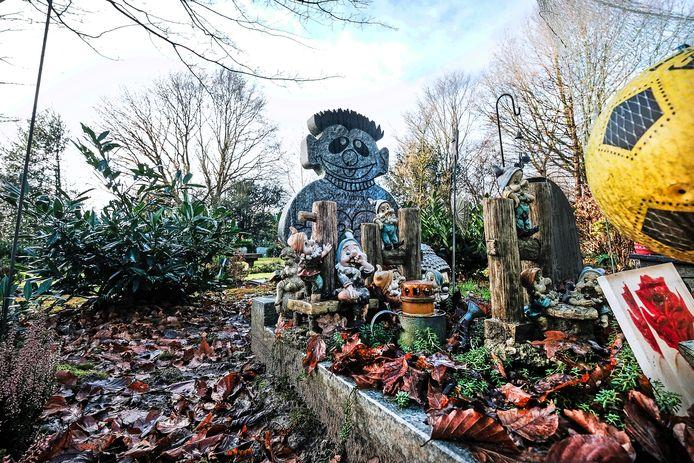 Het graf van Sem Vijverberg, de baby die begin 2006 dood werd gevonden in Doetinchem.
