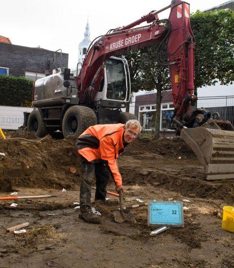 Spectaculaire vondsten bij opgravingen in Almelo: middeleeuwse smederij en oude stadsgracht ontdekt