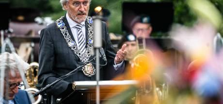Burgemeester John Jorritsma doet aangifte tegen Eindhovenaar die hem corrupt, incompetent en onnozel noemt