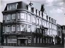 Waar eens Hotel De Graaff stond, is nu een pleintje.