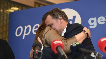 """Open Vld-minister Philippe De Backer stopt volledig met politiek en keert terug naar """"eerste liefde"""""""