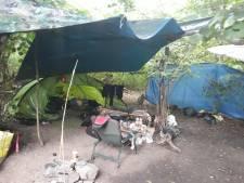 In dit 'tentenkamp' leefden dakloze mannen onder schrijnende omstandigheden: 'Ze waren uitgeput'