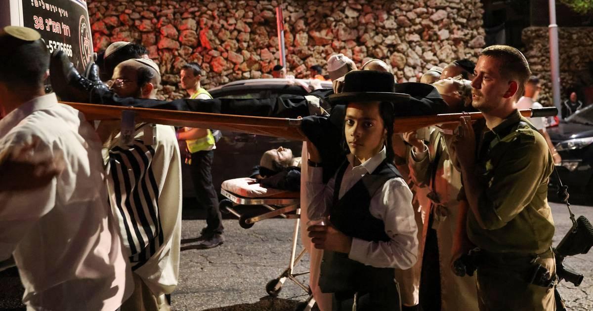Minstens 150 gewonden bij ongeluk in overvolle synagoge op Westelijke Jordaanoever.