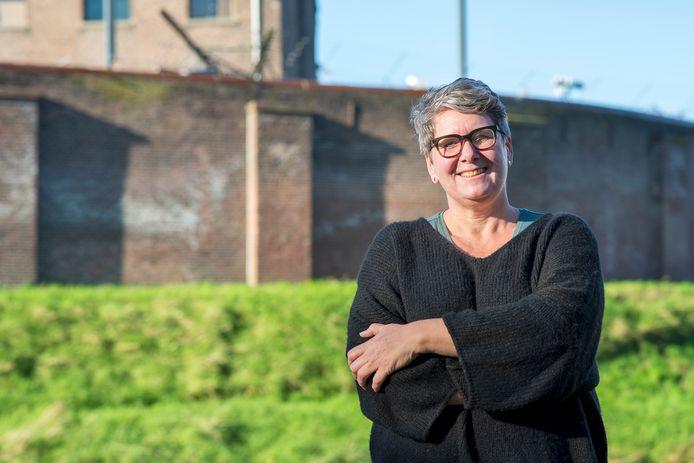 Wilma Duitscher van  bewonersvereniging De Witte Wolf: ,,Dit plan maakt de Wolvenplein vele malen leuker.''