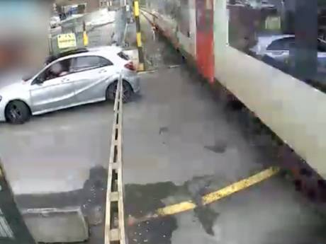 Une collision entre une voiture et un train évitée de justesse à Tilff