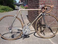 Hugo knapt klassieke racefietsen op: 'Het feit dat iets ouds vernieuwd kan worden vind ik mooi'