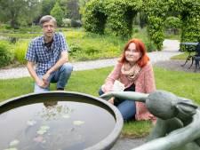 Vijvertuinen van Ada Hofman in Loozen weer open voor klein publiek