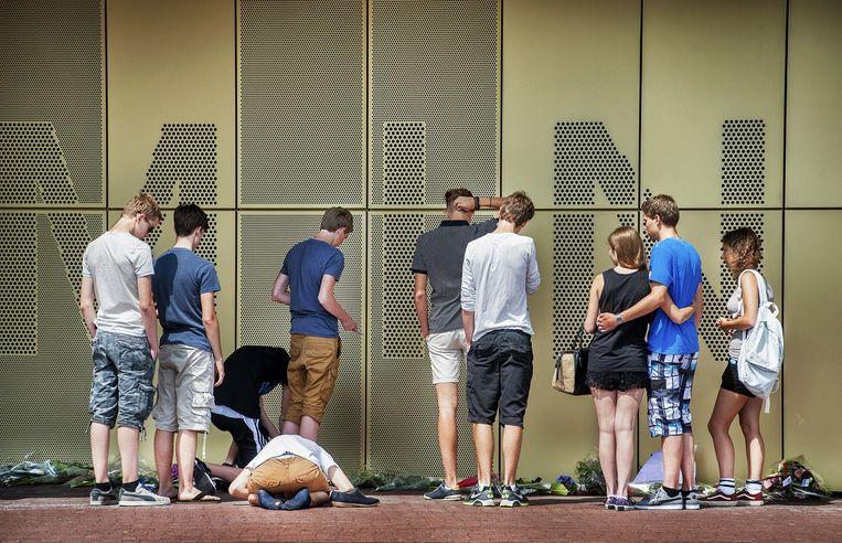Leerlingen bij het Minkema College in Woerden, vrijdag. Beeld Raymond Rutting / de Volkskrant