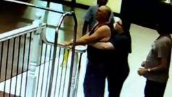 Hotelmedewerkster redt leven van stikkende man