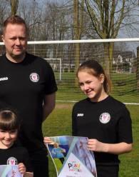 Voetbalclubs uit Berlare en Lokeren krijgen kans om voetbal voor meisjes extra te promoten