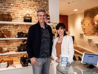 """Klanten van schoenenwinkel SUMOR Par elle betalen voortaan ook met bitcoin: """"Altijd de nieuwste trends achterna, dus ook de cryptomunt"""""""