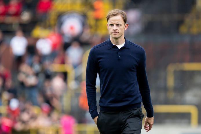 Trainer Vincent Euvrard zal zijn ploeg tegen Waasland-Beveren wellicht bijsturen na het verlies tegen Lierse Kempenzonen.