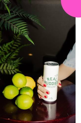 UITGETEST. Spuitwater met alcohol: hard seltzer is goed op weg om hét zomerdrankje te worden