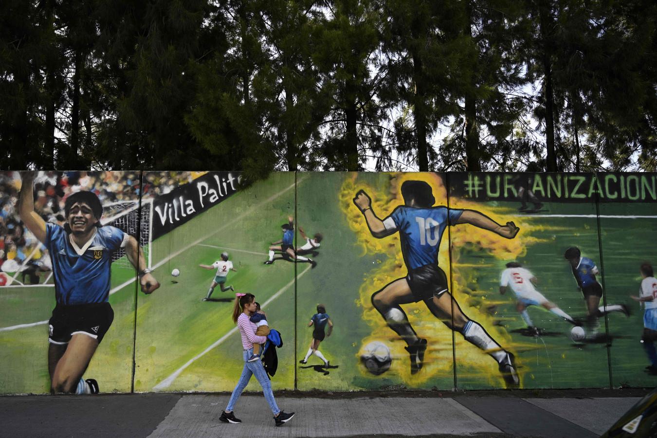 Een muurschildering in Buenos Aires van zijn tweede goal tegen de Engelsen ter ere van de 60ste verjaardag van Maradona.