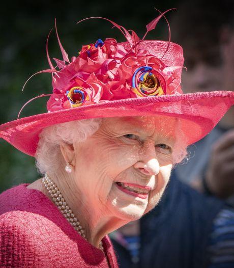 """""""Trop, c'est trop"""": la Reine prépare une """"riposte juridique"""" contre Harry et Meghan"""
