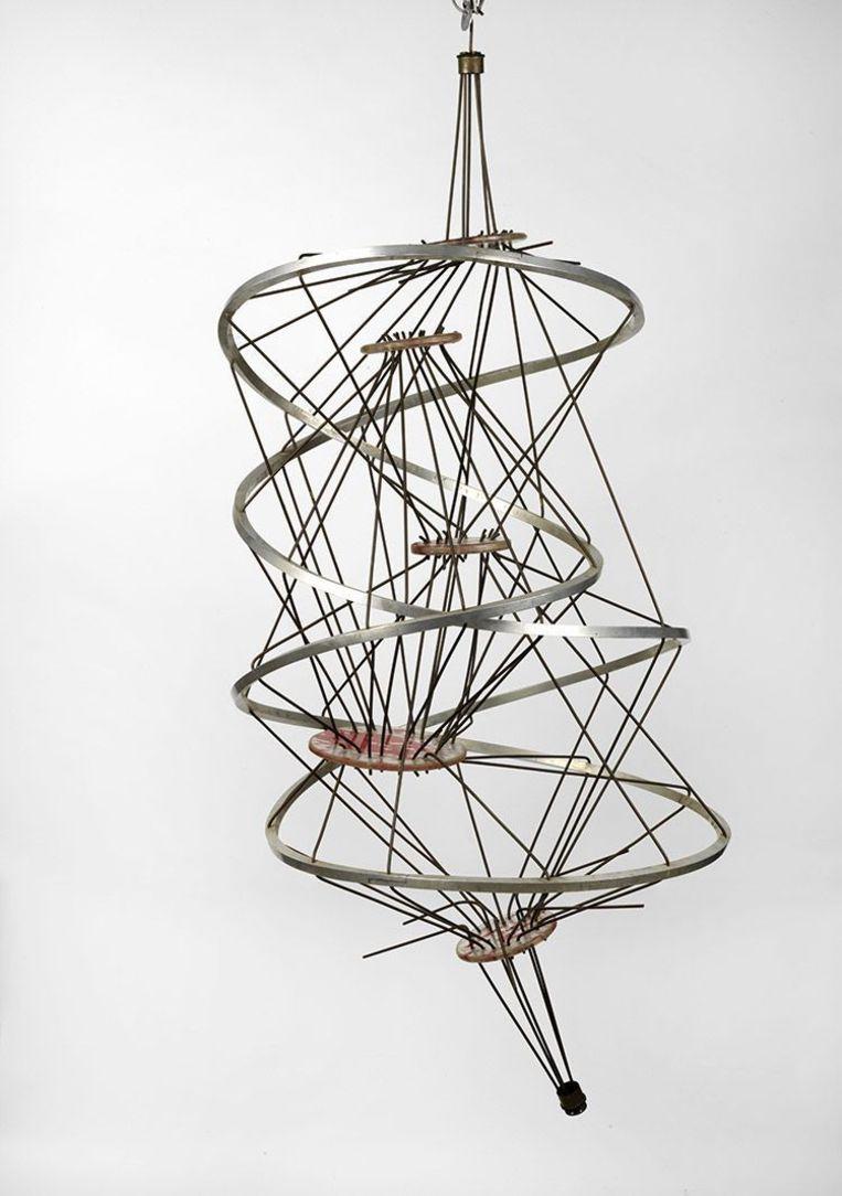 Kunstenaar: Constant. 'Hij is vooral ook een architect en stedenbouwkundige.' Op de foto Lijn zonder einde. Beeld Tom Haartsen/Fondation Constant