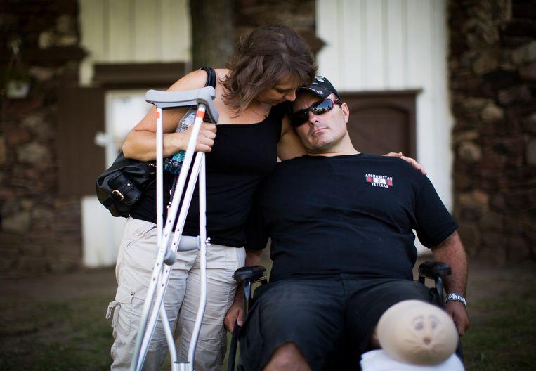 Juli 2014: Joey mist een been, maar heeft maar heeft met Maria opnieuw de liefde gevonden.  Beeld The New York Times