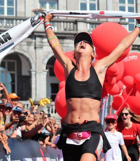 Els Visser overleefde een schipbreuk door acht uur te zwemmen, nu is ze professioneel triatleet