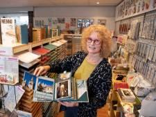 Sandra van hobbywinkel Scrap & Co in Klarenbeek heeft geen tijd om te inventariseren: 'Bestellingen vliegen de deur uit'