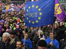 May waarschuwt voor gevolgen als parlement brexitdeal afwijst