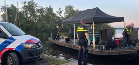 Politie beëindigt illegaal feest op Loosdrechtse Plassen