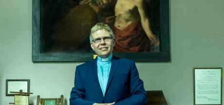 Aartsbisschop in spijkerbroek: wijding in Deventer