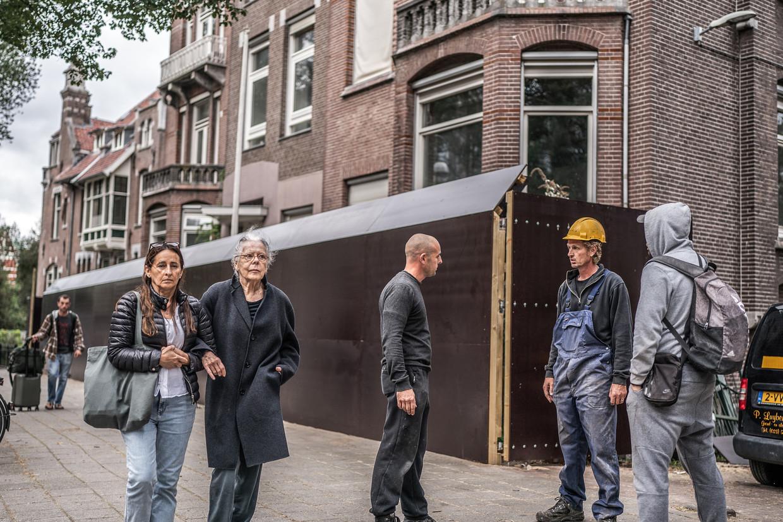 De eigenaar van Van Eeghenstraat 70-72 is van plan de drie geschakelde villa's volledig te slopen Beeld Joris van Gennip