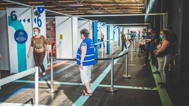 """Al 70 % van de Gentenaars kreeg eerste prik. """"Flexibeler inplannen van 2de prik, en testcapaciteit voor reizigers uitgebreid"""""""