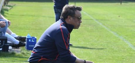 Onvoorziene zoektocht naar nieuwe trainer leidt Batavia naar Jef Vels (69)