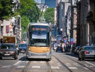 """Brusselse regering gaat niet in beroep tegen hoofddoekenvonnis MIVB, maar """"verbod op levensbeschouwelijke tekens is de regel"""""""