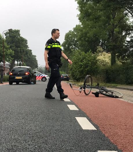 Fietser zwaargewond na aanrijding met auto in Nieuwegein