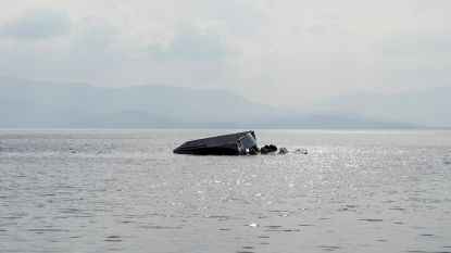 Vluchtelingenboot zinkt voor Griekse kust: drie doden, onder wie twee kinderen