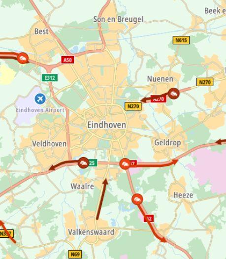 Twee personen zwaargewond geraakt bij ongeluk op de A2 bij Eindhoven