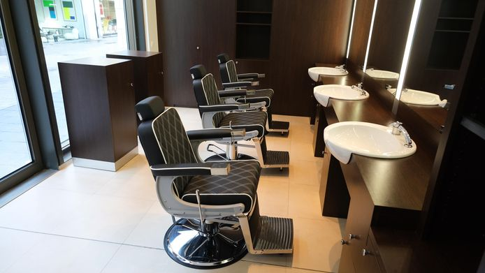 Er is plaats voor drie barbiers.