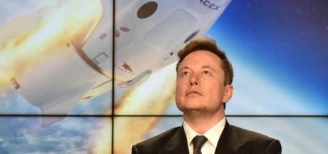 SpaceX prévoit d'envoyer ses premiers touristes dans l'espace fin 2021