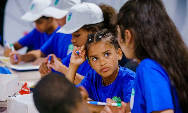 Leerlingen nemen deel aan de Zomercampus010. Beeld ANP