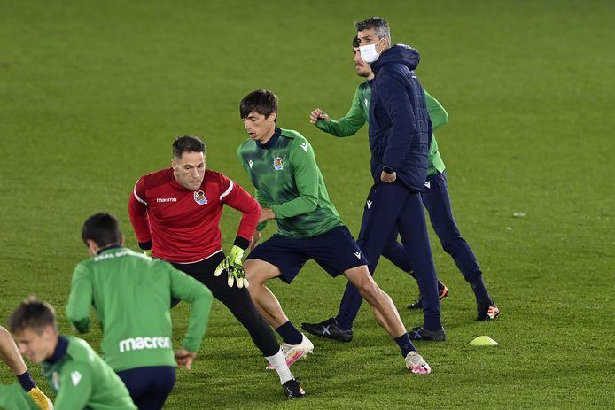 Coach Imanol Alguacil Barrenetxea samen met spelers van Real Sociedad tijdens de training woensdag.