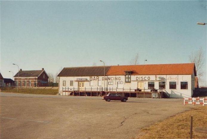 Bar dancing De Loods in Kortgene was in de jaren zeventig en tachtig een bedevaartsoord voor rockliefhebbers.