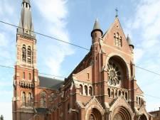 Beeld in Sint-Amanduskerk vat vuur: Oorzaak nog niet bekend