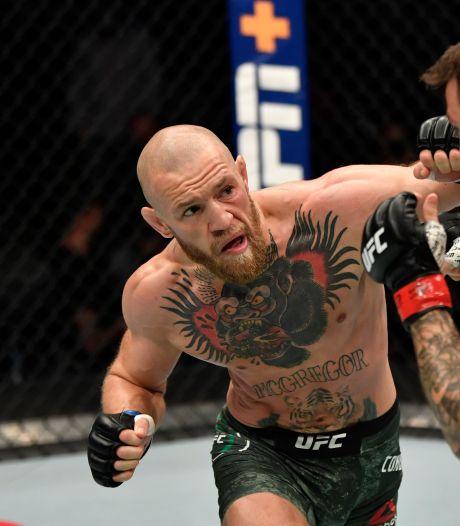 Conor McGregor pronkt met gespierd lichaam richting revanchegevecht: 'Afgetraind en krachtig'